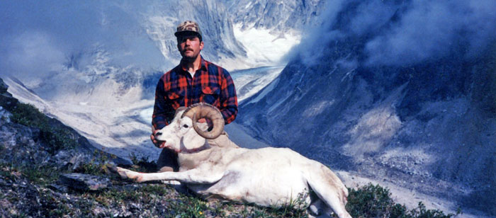 Dall sheep hunting in the Alaska Range